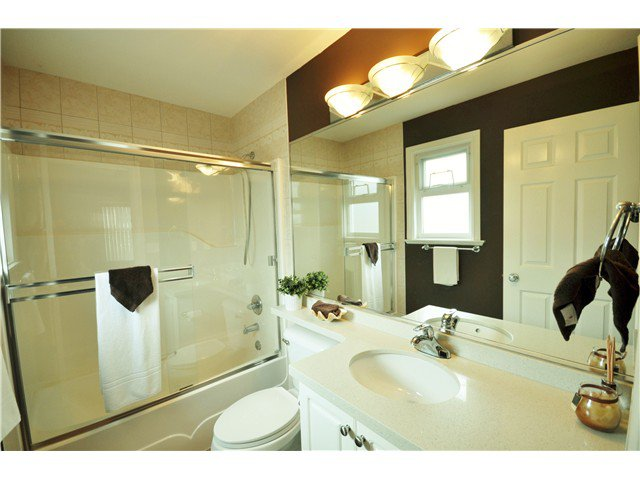 Photo 17: Photos: 7871 CUMBERLAND ST in Burnaby: East Burnaby House for sale (Burnaby East)  : MLS®# V1102281