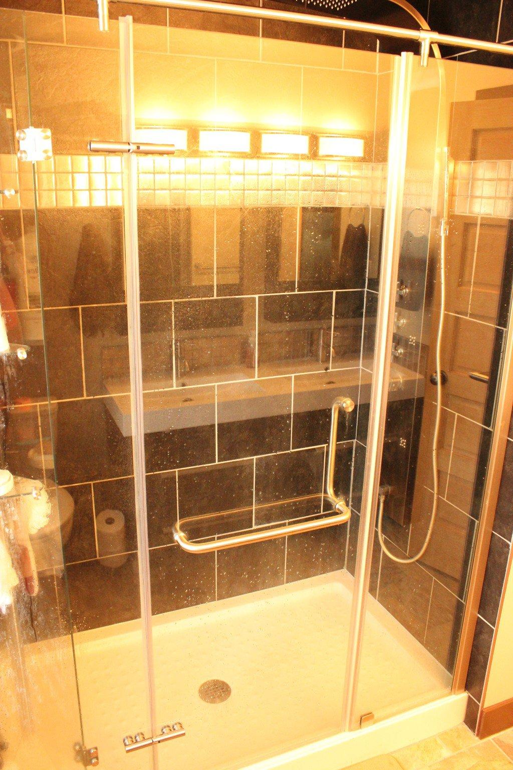 Photo 15: Photos: 6490 Barnhartvale Road in Kamloops: Barnhartvale House for sale : MLS®# 128239