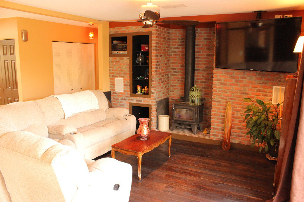 Photo 11: Photos: 6490 Barnhartvale Road in Kamloops: Barnhartvale House for sale : MLS®# 128239