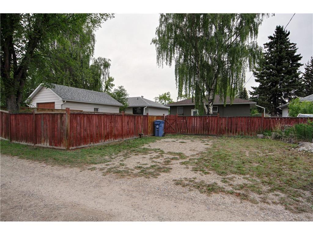 Photo 13: Photos: 2327 22A Street NW in CALGARY: Banff Trail House for sale (Calgary)  : MLS®# C4067297
