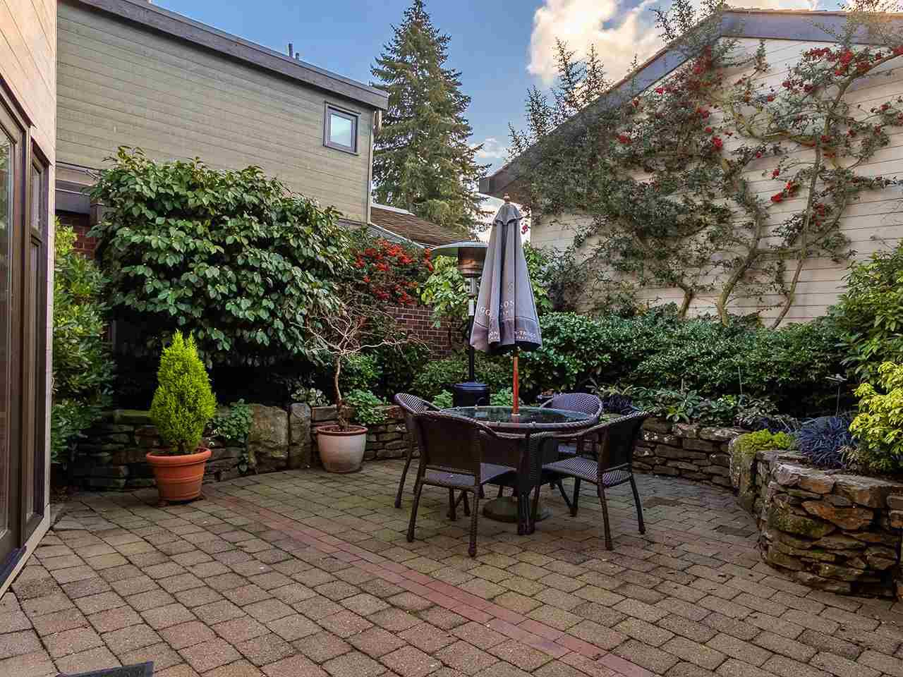 Photo 13: Photos: 2 1980 SASAMAT STREET in Vancouver: Point Grey Townhouse for sale (Vancouver West)  : MLS®# R2357115