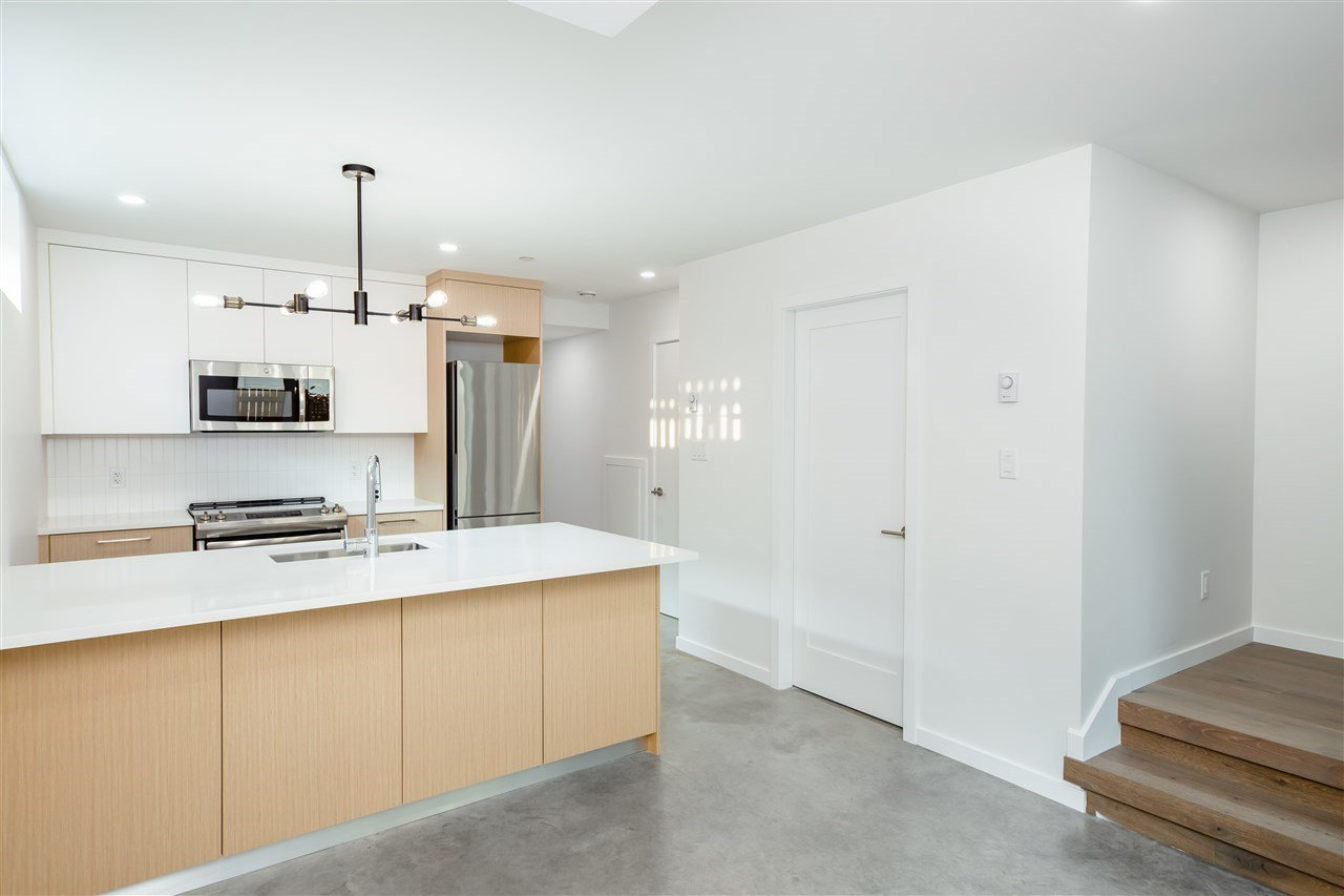 Photo 14: Photos: 738 E 3RD STREET in North Vancouver: Queensbury 1/2 Duplex for sale : MLS®# R2424181