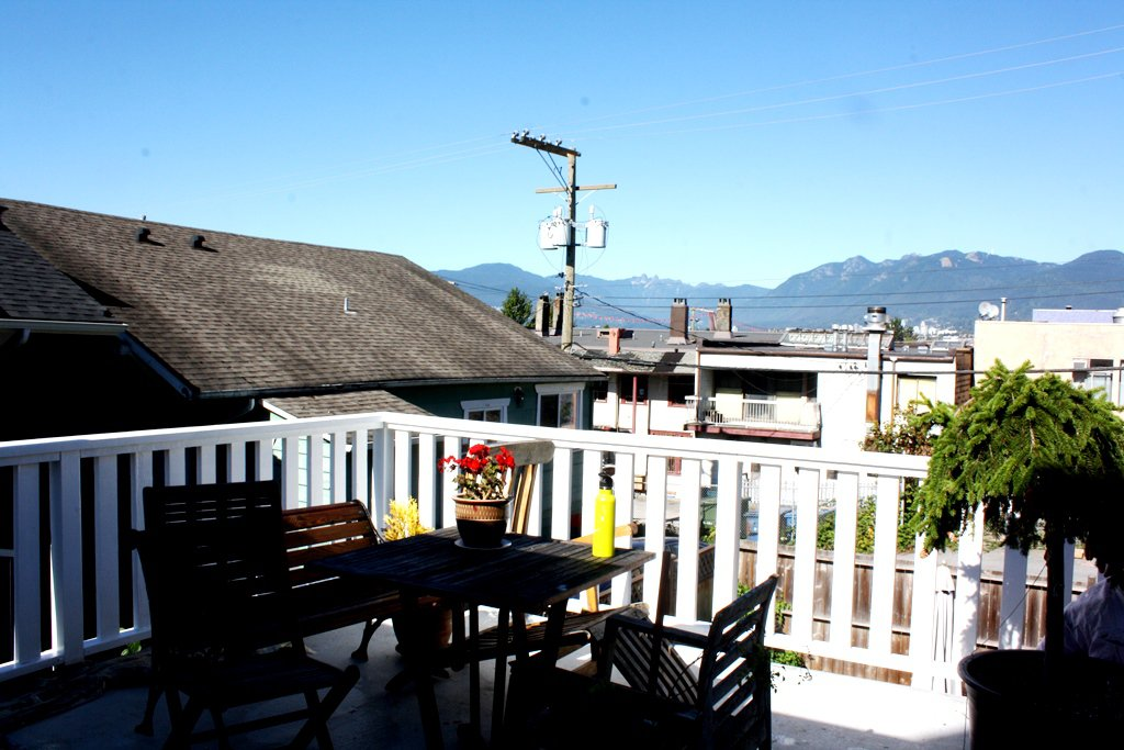 Photo 10: Photos: 2125 E PENDER Street in Vancouver: Hastings House for sale (Vancouver East)  : MLS®# R2510281