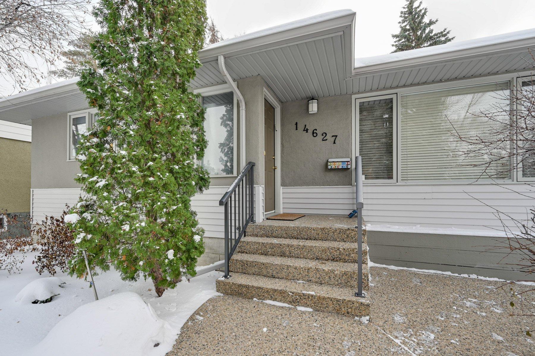 Main Photo: 14627 88 Avenue NW: Edmonton House for sale