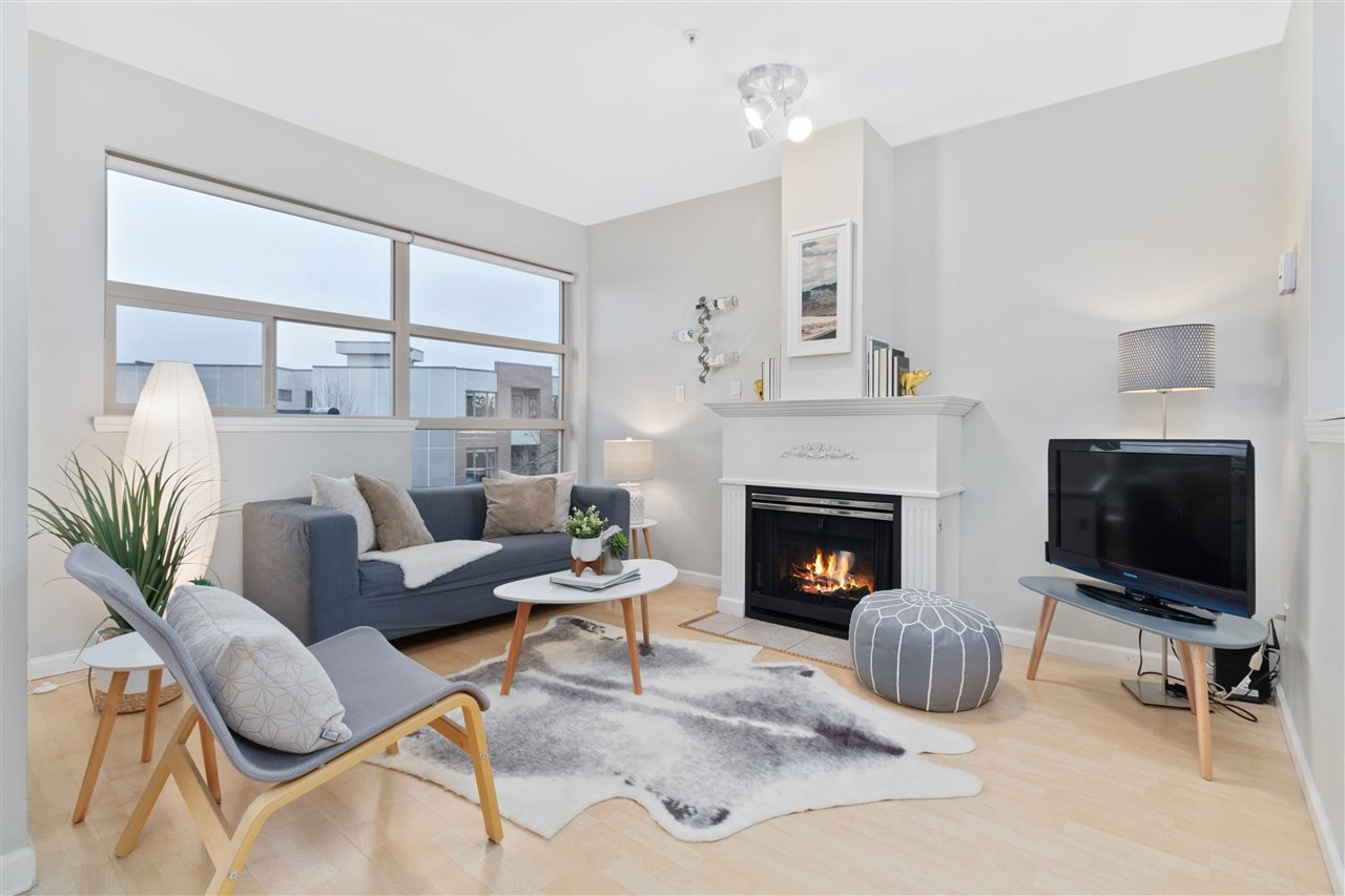 """Main Photo: 13 3477 COMMERCIAL Street in Vancouver: Victoria VE Townhouse for sale in """"La Villa"""" (Vancouver East)  : MLS®# R2525205"""
