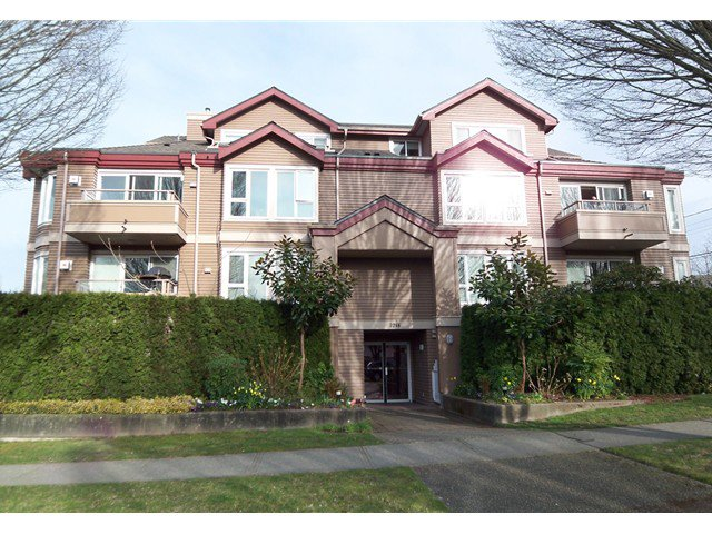 """Main Photo: 306 3218 ONTARIO Street in Vancouver: Main Condo for sale in """"ONTARIO PLACE"""" (Vancouver East)  : MLS®# V939824"""