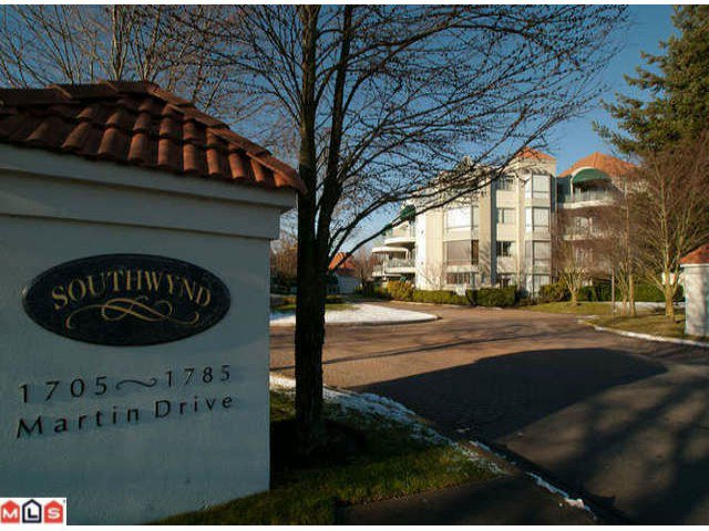 "Main Photo: 206 1785 MARTIN Drive in Surrey: Sunnyside Park Surrey Condo for sale in ""SOUTHWYND"" (South Surrey White Rock)  : MLS®# F1208997"