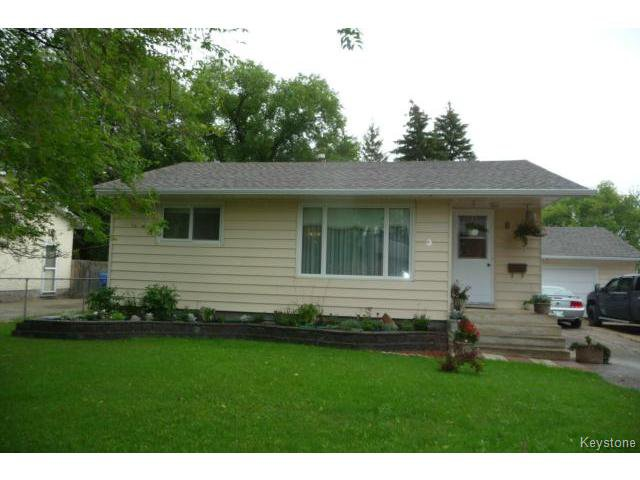 Main Photo: 853 Elmhurst Road in WINNIPEG: Charleswood Residential for sale (South Winnipeg)  : MLS®# 1420938