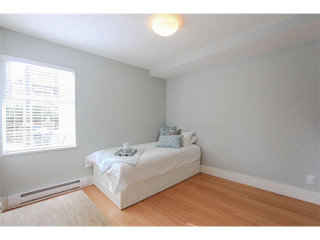 Photo 14: Photos: 103 925 W 15TH Avenue in Vancouver: Fairview VW Condo  (Vancouver West)  : MLS®# V1112385