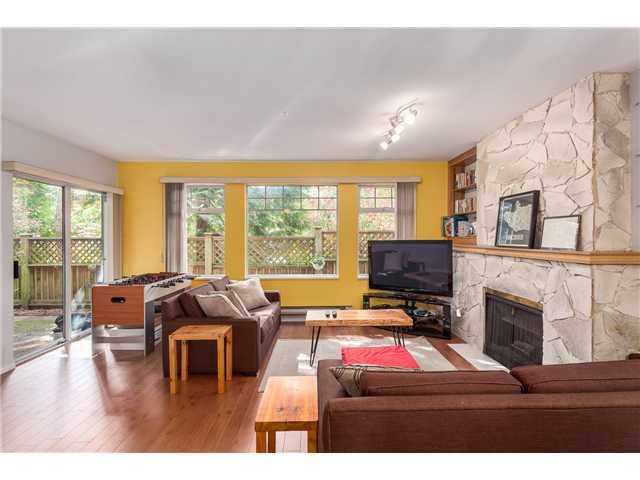 Photo 4: Photos: 22 6516 Chambord Place in Vancouver: Killarney VE Townhouse  (Vancouver East)  : MLS®#  V1114947