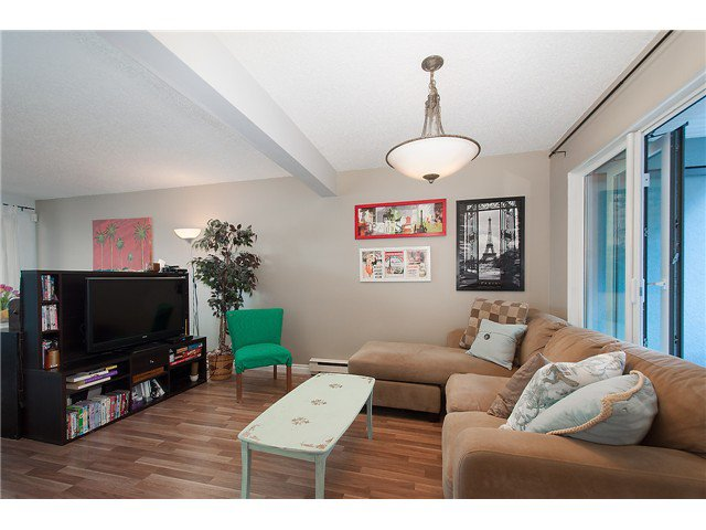 Photo 5: Photos: 1369 W 8TH Avenue in Vancouver: Fairview VW Townhouse  (Vancouver West)  : MLS®# V1113609