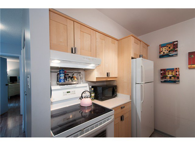 Photo 11: Photos: 1369 W 8TH Avenue in Vancouver: Fairview VW Townhouse  (Vancouver West)  : MLS®# V1113609
