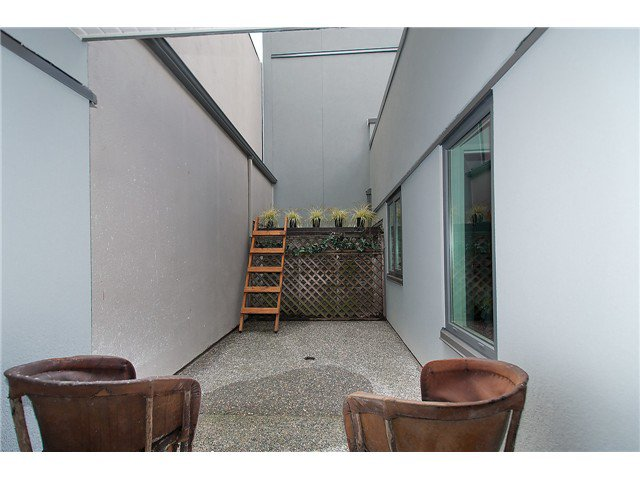 Photo 15: Photos: 1369 W 8TH Avenue in Vancouver: Fairview VW Townhouse  (Vancouver West)  : MLS®# V1113609