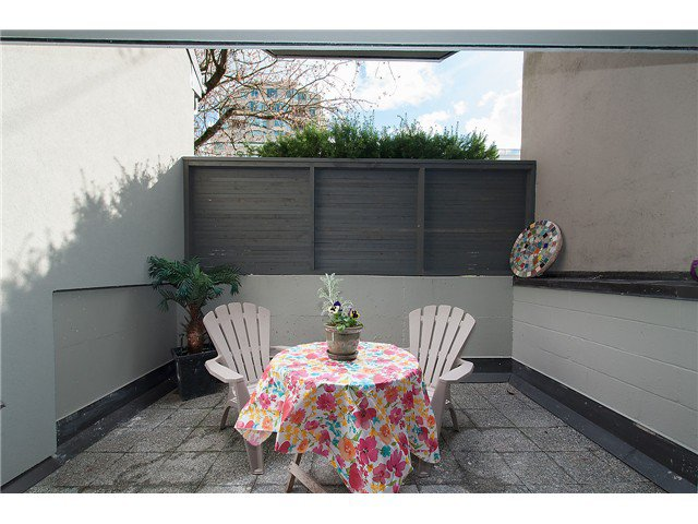 Photo 14: Photos: 1369 W 8TH Avenue in Vancouver: Fairview VW Townhouse  (Vancouver West)  : MLS®# V1113609