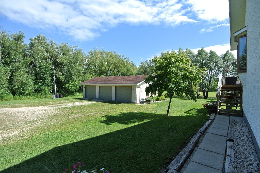 Photo 3: Photos: 23056 River road: Residential for sale