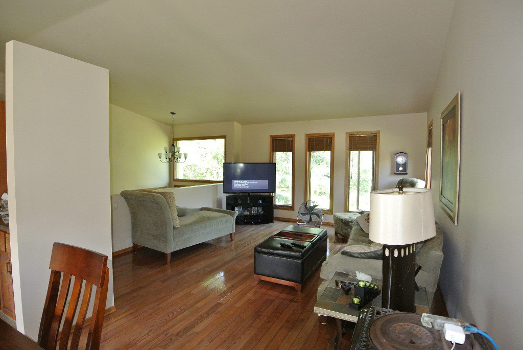 Photo 10: Photos: 23056 River road: Residential for sale