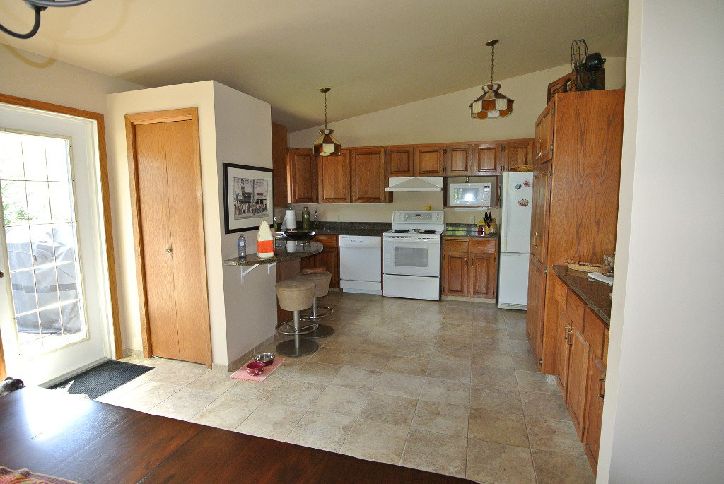 Photo 12: Photos: 23056 River road: Residential for sale