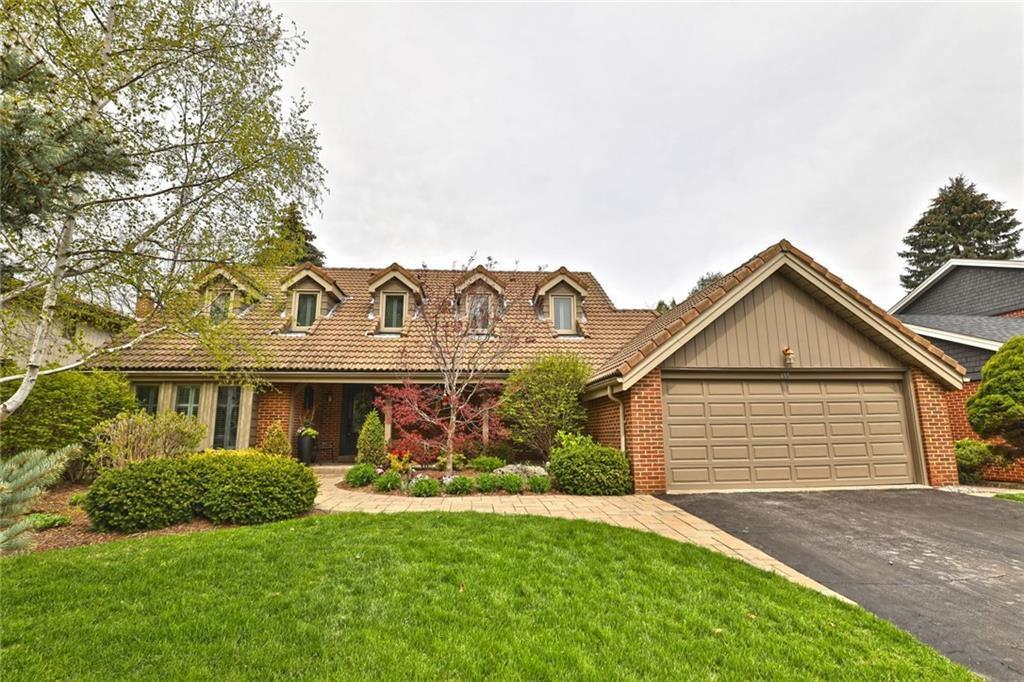 Main Photo: 255 Ash Tree Way in : 1006 - FD Ford FRH for sale (Oakville)  : MLS®# 30657009