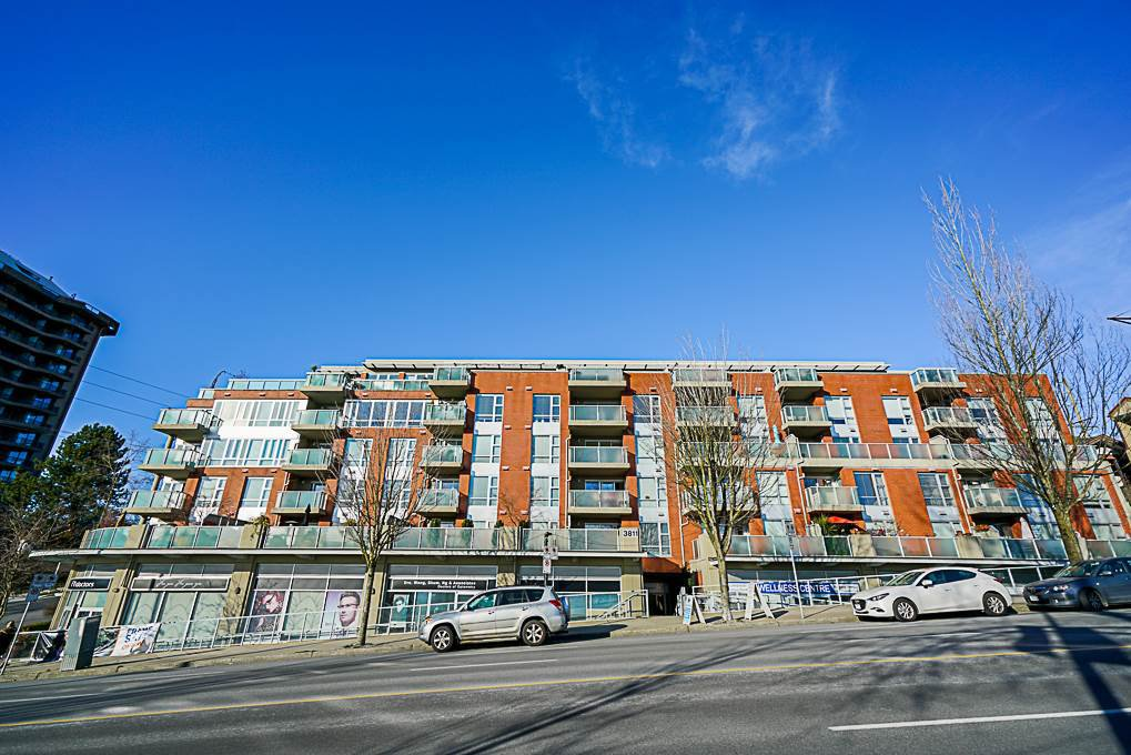 Main Photo: 408 3811 HASTINGS STREET in Burnaby: Vancouver Heights Condo for sale (Burnaby North)  : MLS®# R2361628