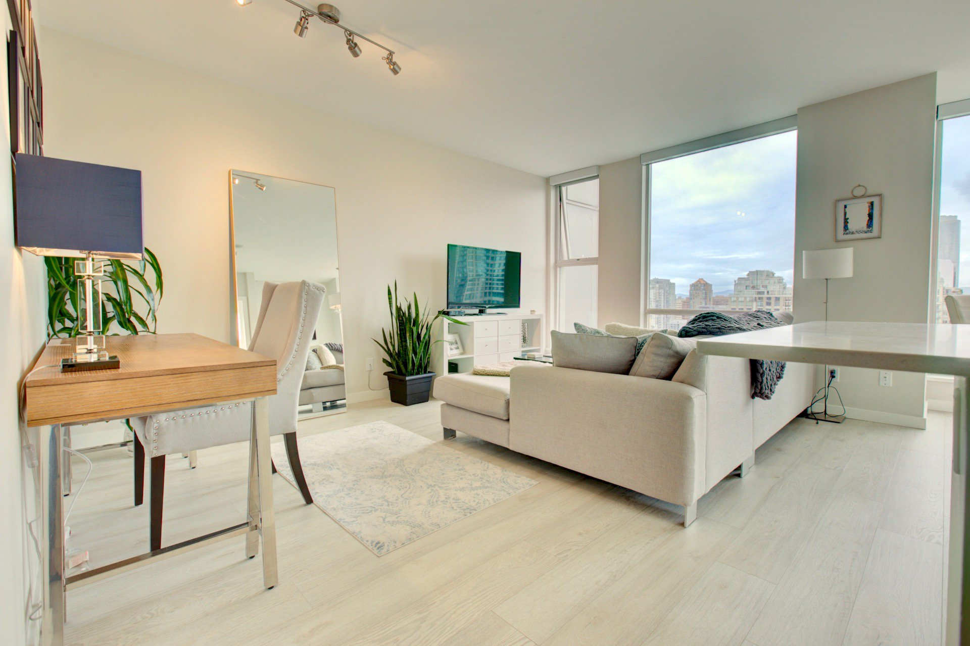 Main Photo: 1008 Cambie in Vancouver: Condo for lease (Yaletown)