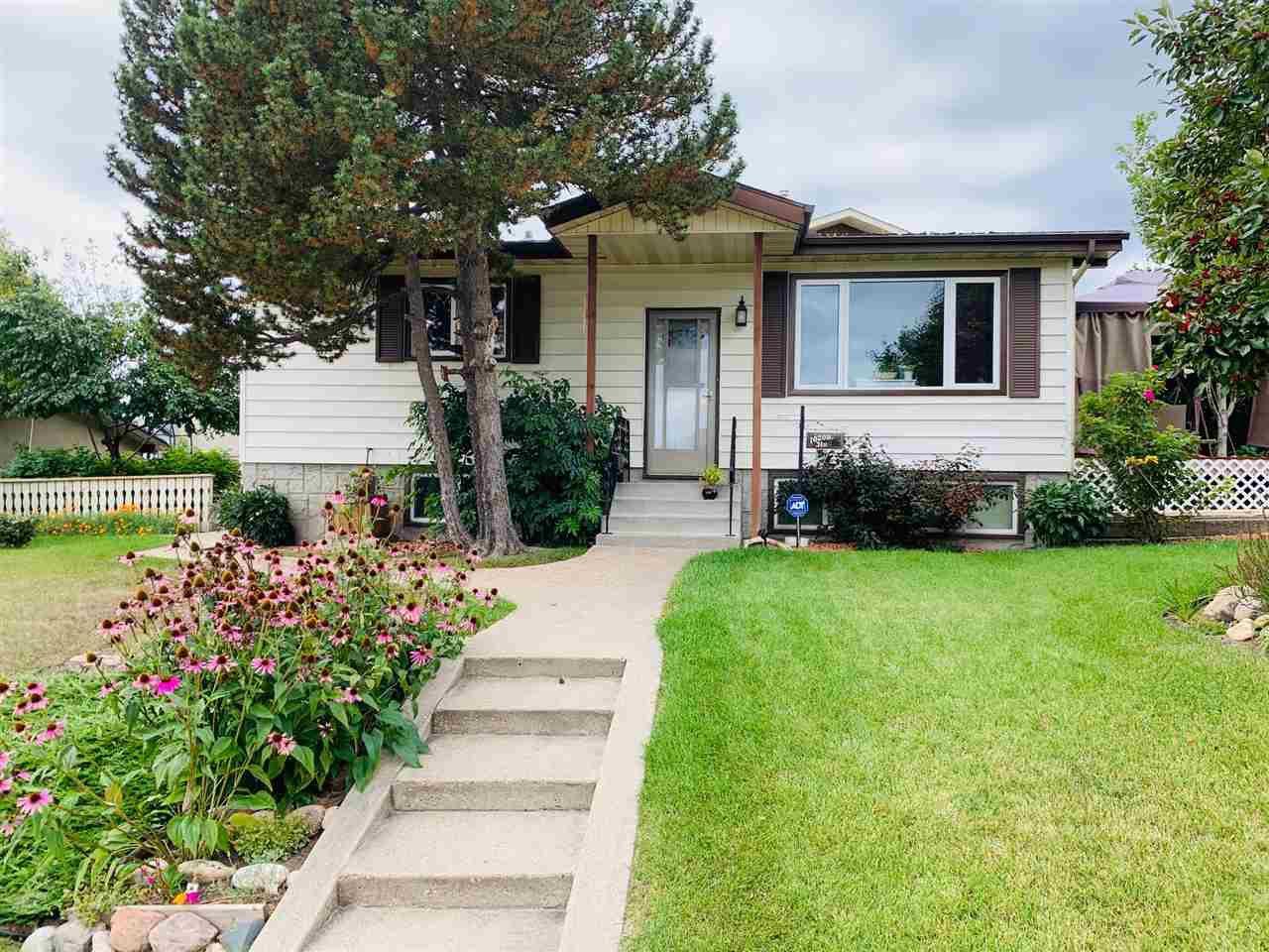 Main Photo: 10208 31 Street in Edmonton: Zone 23 House for sale : MLS®# E4172838