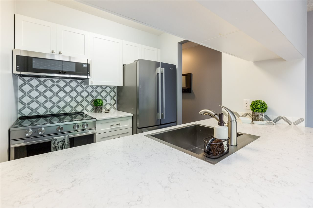 Photo 4: Photos: 5 2120 CENTRAL Avenue in Port Coquitlam: Central Pt Coquitlam Condo for sale : MLS®# R2414519