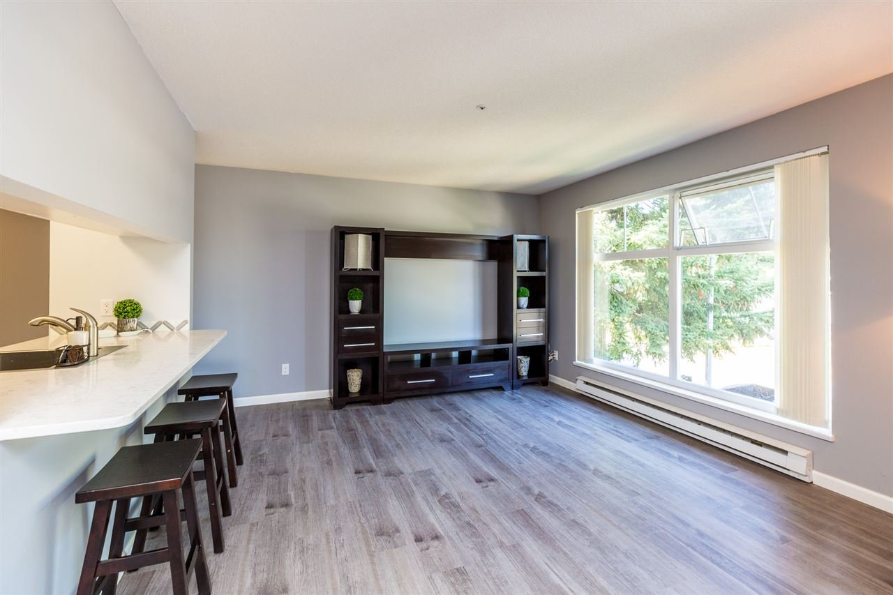 Photo 7: Photos: 5 2120 CENTRAL Avenue in Port Coquitlam: Central Pt Coquitlam Condo for sale : MLS®# R2414519