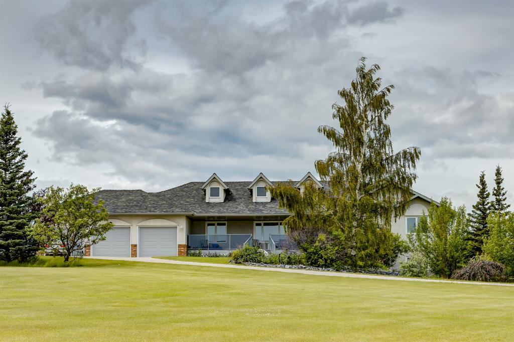 Main Photo: 121 COUNTRY LANE Drive in Rural Rocky View County: Rural Rocky View MD Detached for sale : MLS®# A1011005