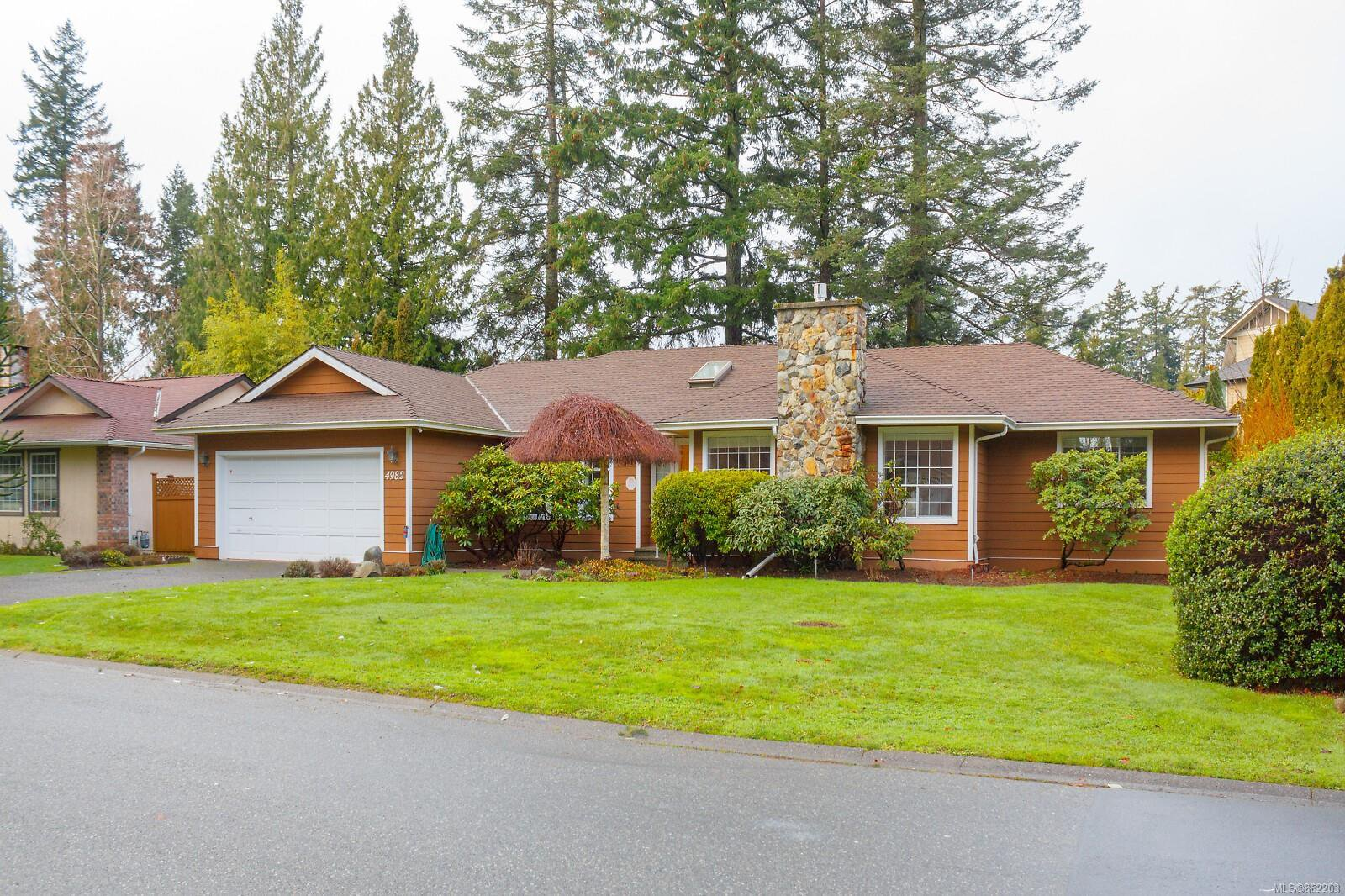 Main Photo: 4982 Del Monte Ave in : SE Cordova Bay House for sale (Saanich East)  : MLS®# 862203