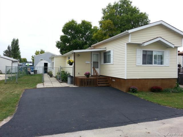 Main Photo: 60 Springwood Drive in WINNIPEG: St Vital Residential for sale (South East Winnipeg)  : MLS®# 1319870