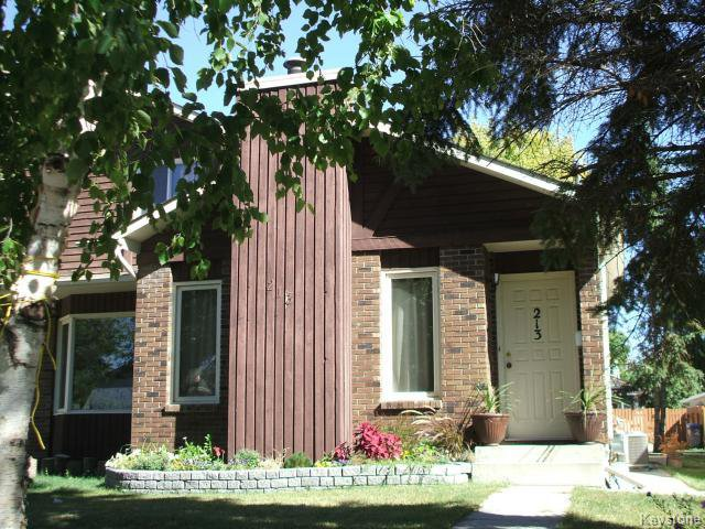 Main Photo: 213 Red Oak Drive in WINNIPEG: North Kildonan Residential for sale (North East Winnipeg)  : MLS®# 1320584