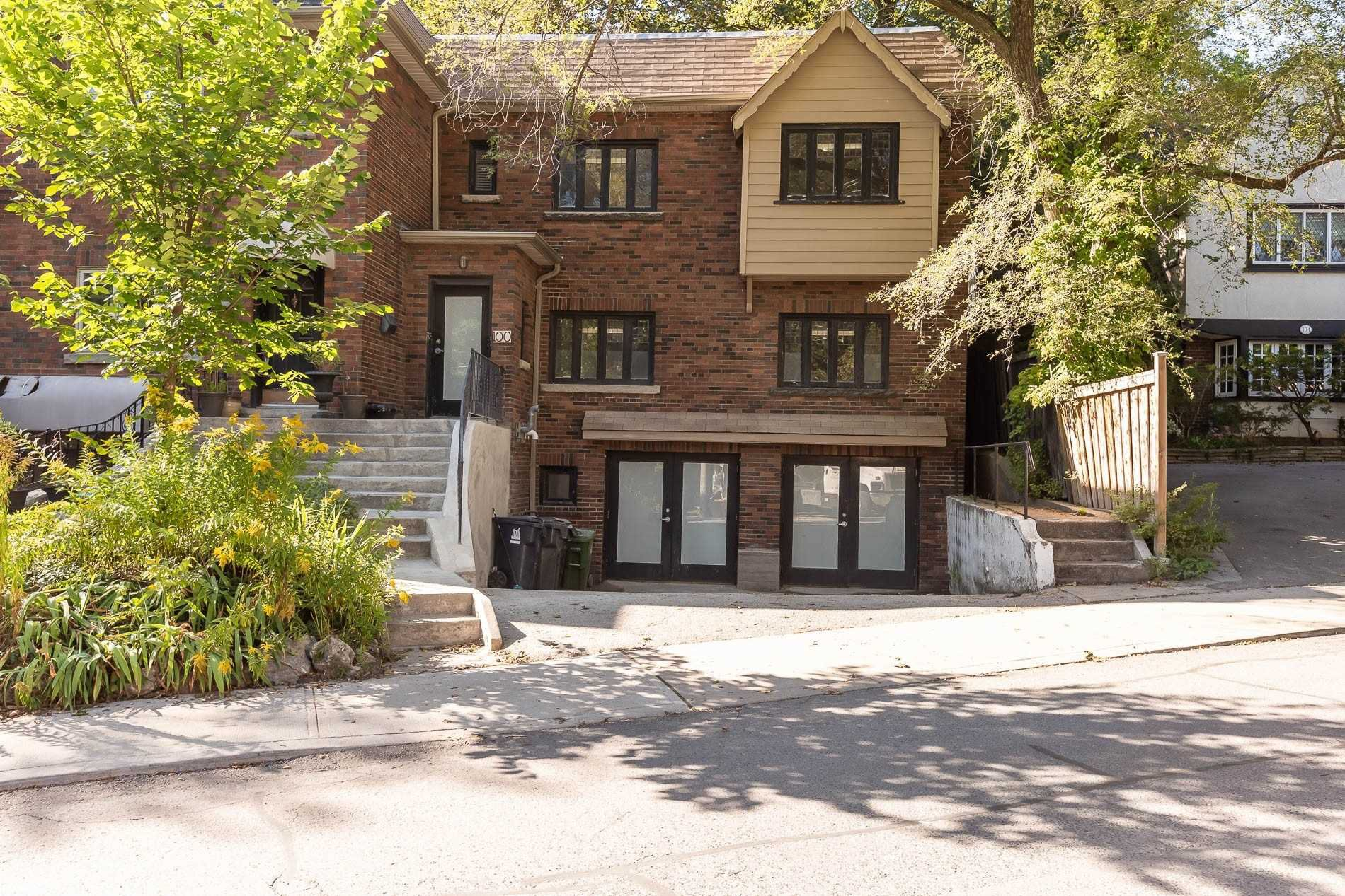 Main Photo: 100 Poplar Plains Road in Toronto: Casa Loma House (2-Storey) for sale (Toronto C02)  : MLS®# C4581738