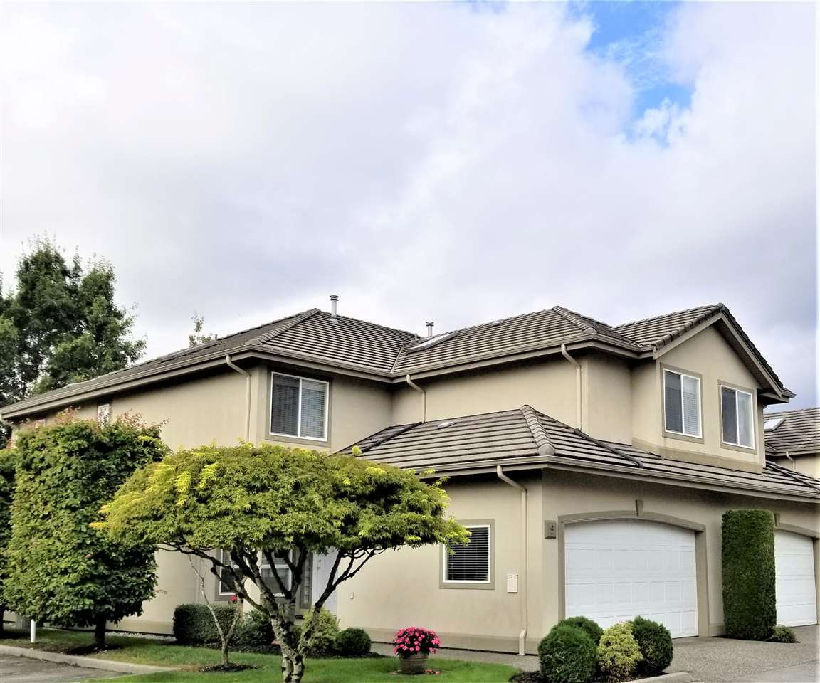 """Main Photo: 9 998 RIVERSIDE Drive in Port Coquitlam: Riverwood Townhouse for sale in """"PARKSIDE PLACE"""" : MLS®# R2408047"""