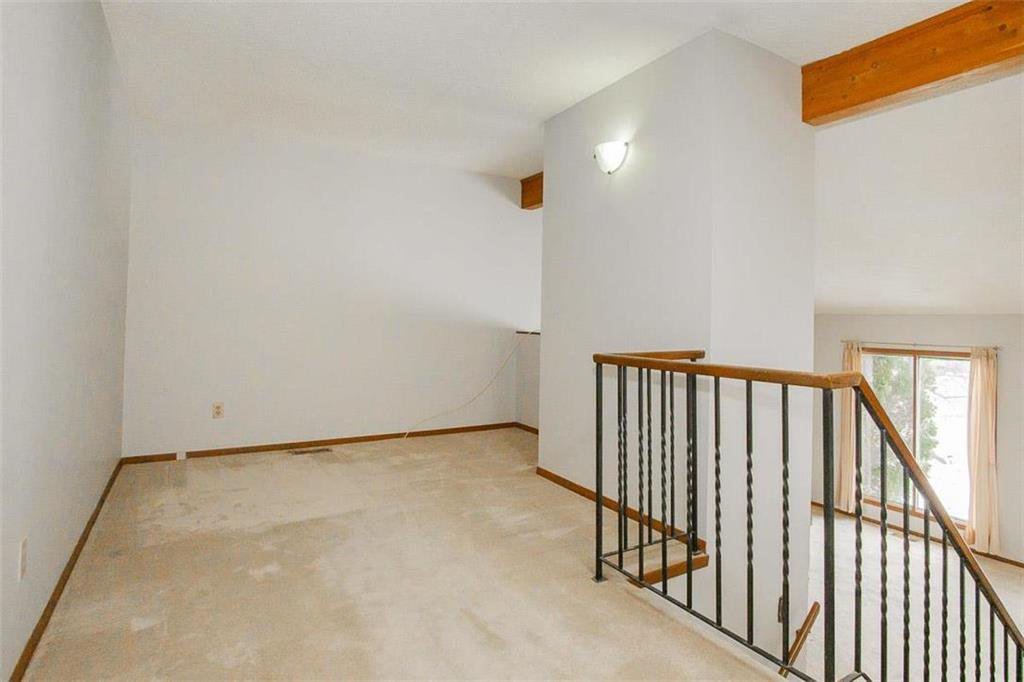 Photo 9: Photos: 63 Ashford Drive in Winnipeg: River Park South Residential for sale (2F)  : MLS®# 202006494