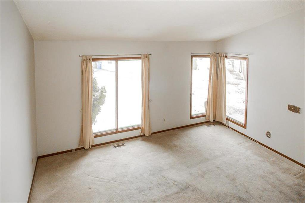 Photo 10: Photos: 63 Ashford Drive in Winnipeg: River Park South Residential for sale (2F)  : MLS®# 202006494