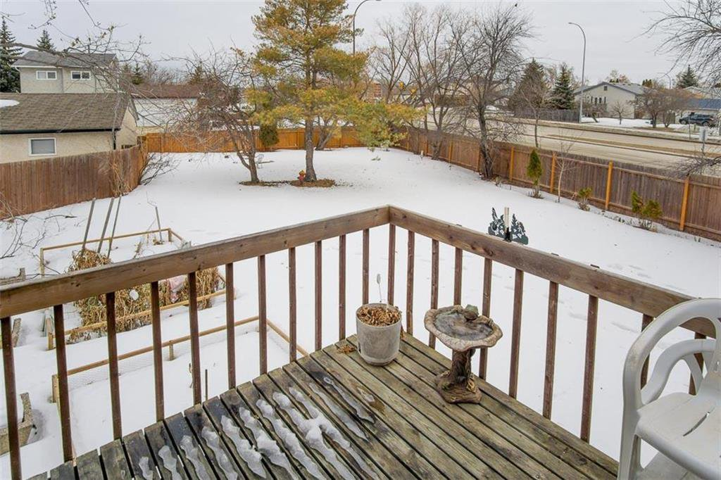 Photo 26: Photos: 63 Ashford Drive in Winnipeg: River Park South Residential for sale (2F)  : MLS®# 202006494