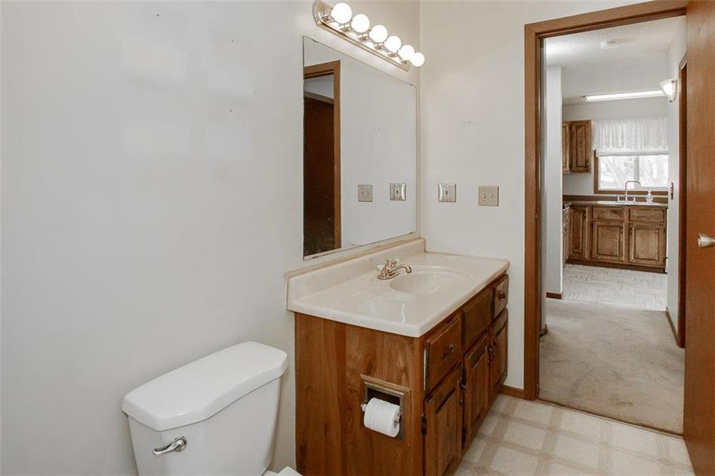 Photo 14: Photos: 63 Ashford Drive in Winnipeg: River Park South Residential for sale (2F)  : MLS®# 202006494