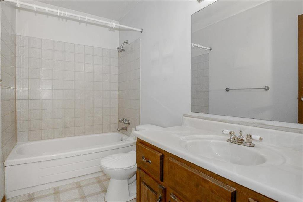 Photo 13: Photos: 63 Ashford Drive in Winnipeg: River Park South Residential for sale (2F)  : MLS®# 202006494