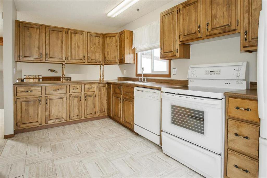 Photo 3: Photos: 63 Ashford Drive in Winnipeg: River Park South Residential for sale (2F)  : MLS®# 202006494