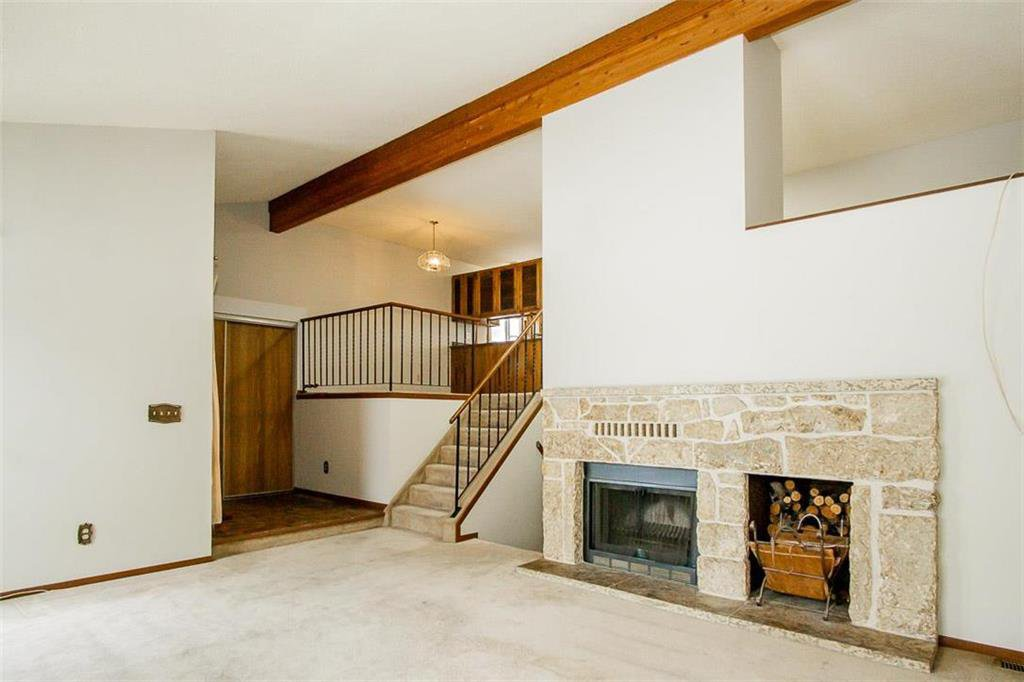 Photo 4: Photos: 63 Ashford Drive in Winnipeg: River Park South Residential for sale (2F)  : MLS®# 202006494