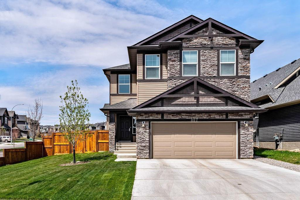 Main Photo: 7 NOLANSHIRE Crescent NW in Calgary: Nolan Hill Detached for sale : MLS®# C4301650