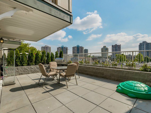 Main Photo: # 206 1035 AUCKLAND ST in New Westminster: Uptown NW Condo for sale : MLS®# V1122665