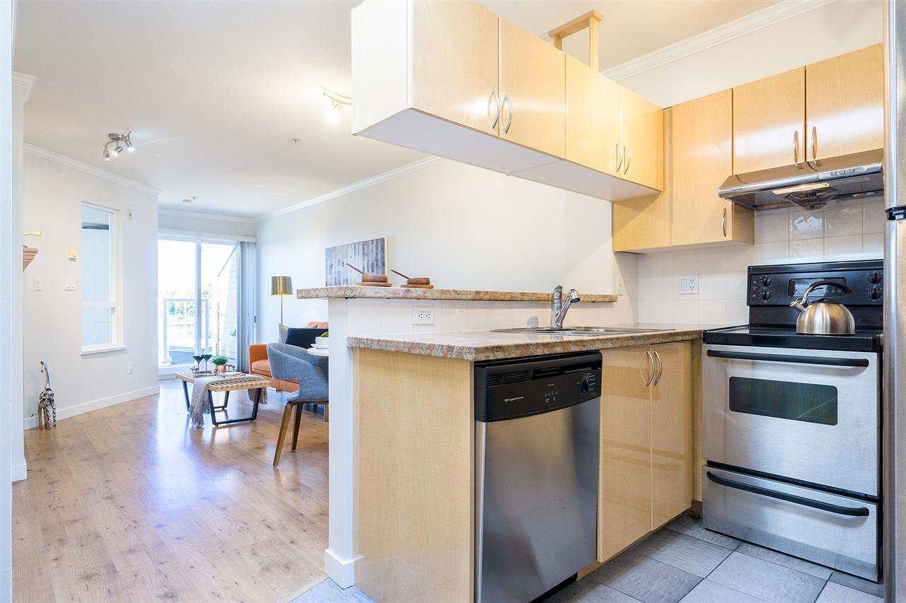 Photo 4: Photos: PH2 1503 W 66TH AVENUE in Vancouver: S.W. Marine Condo for sale (Vancouver West)  : MLS®# R2313691