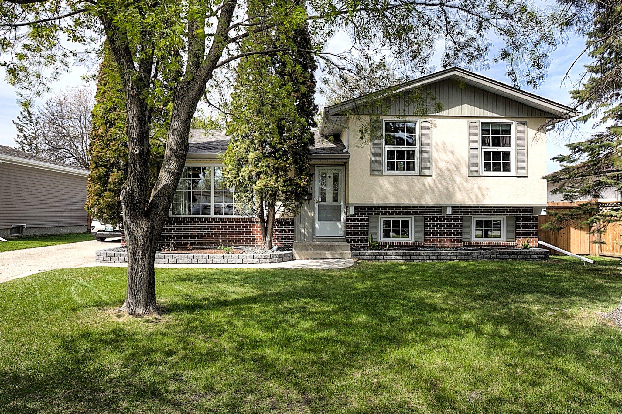 Main Photo: 6551 Rannock Avenue in Winnipeg: Charleswood Single Family Detached for sale (1G)  : MLS®# 1913241
