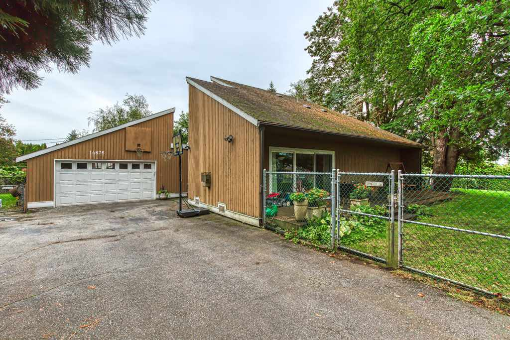 """Main Photo: 14676 55A Avenue in Surrey: Sullivan Station House for sale in """"Panorama East"""" : MLS®# R2408722"""