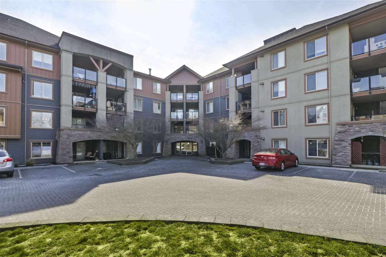 "Main Photo: 2208 244 SHERBROOKE Street in New Westminster: Sapperton Condo for sale in ""COPPERSTONE"" : MLS®# R2466979"