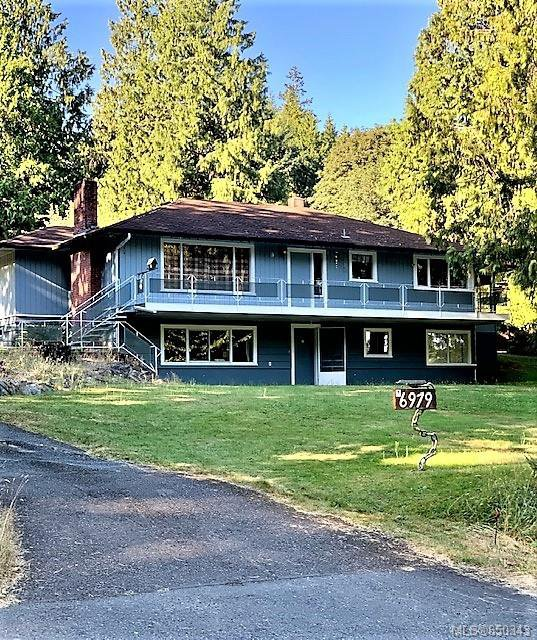 Main Photo: 6979 SE DICKINSON Rd in : Na Lower Lantzville Single Family Detached for sale (Nanaimo)  : MLS®# 850343