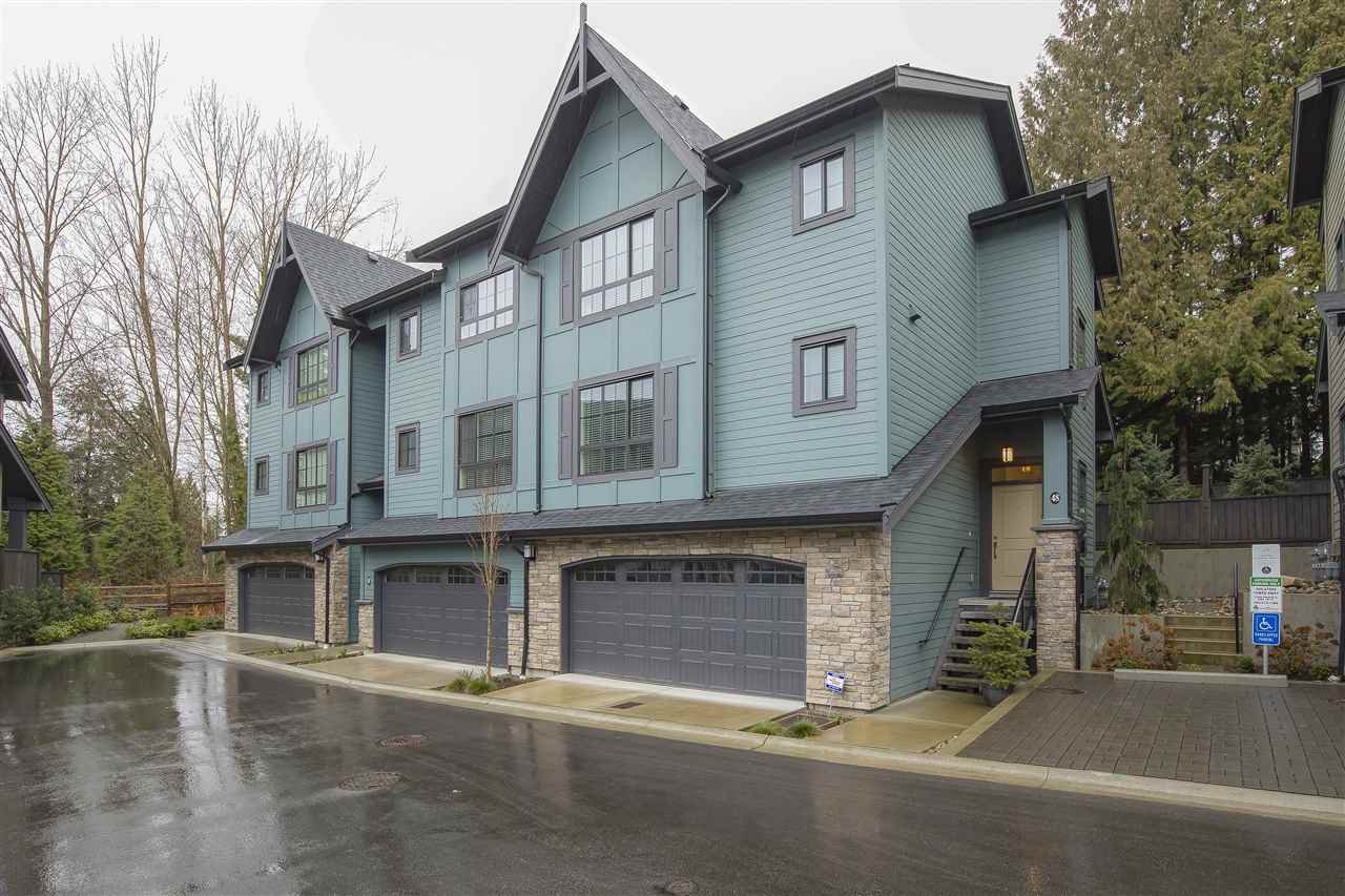 "Main Photo: 48 7979 152 Street in Surrey: Fleetwood Tynehead Townhouse for sale in ""THE LINKS"" : MLS®# R2489154"