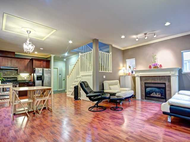 "Photo 1: Photos: 6 10222 NO 1 RD Road in Richmond: Steveston North Townhouse for sale in ""MARITIME PLACE"" : MLS®# V930948"