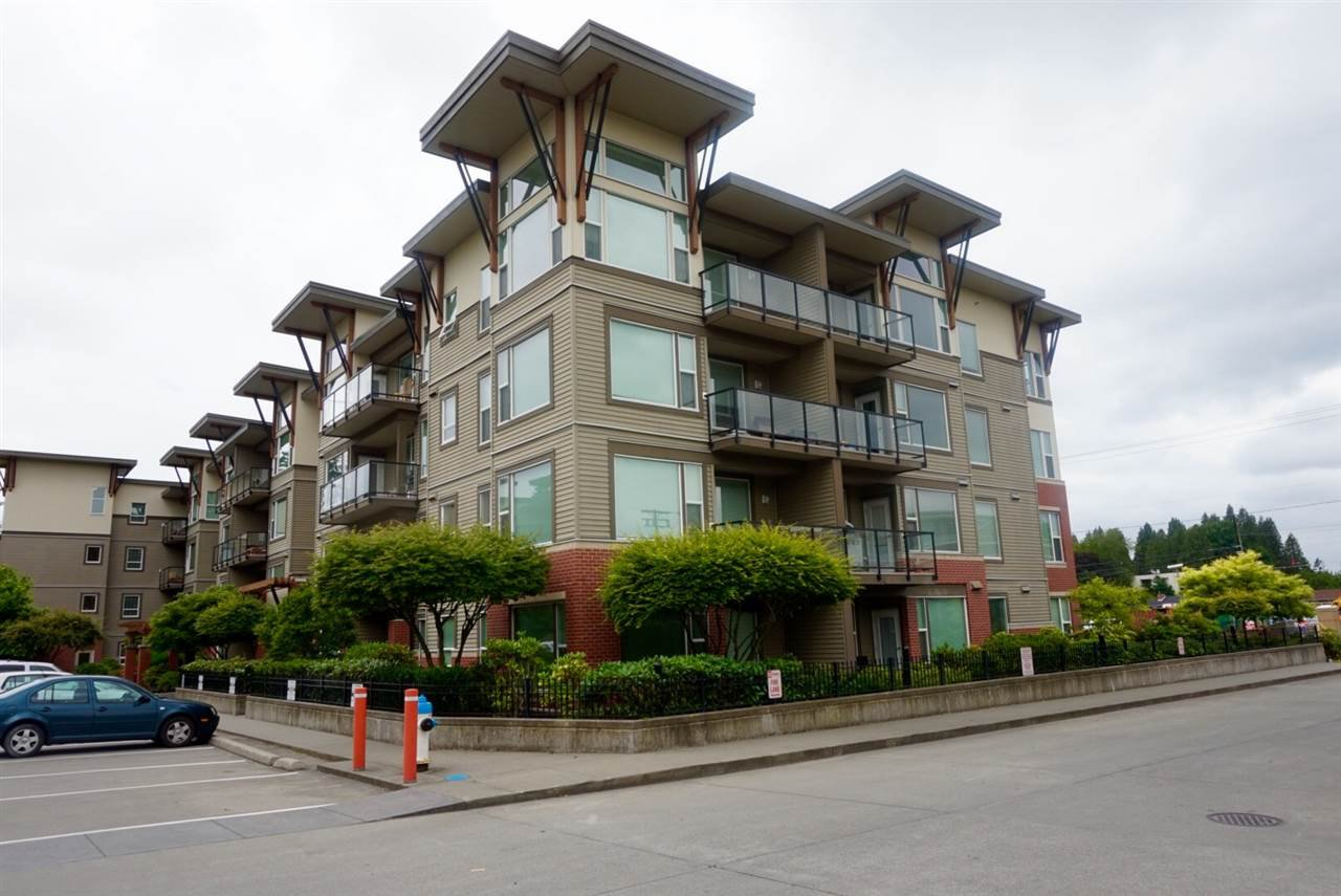 Main Photo: 402 33538 MARSHALL ROAD in Abbotsford: Central Abbotsford Condo for sale : MLS®# R2178045